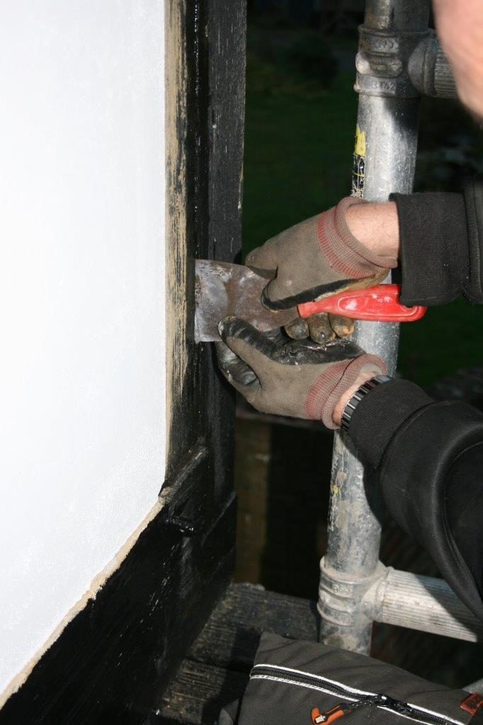 push backer rod in to wood crack repair
